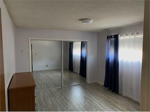 Room w/ Private Bathroom