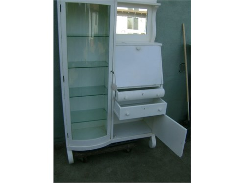 Cabinet with secreter
