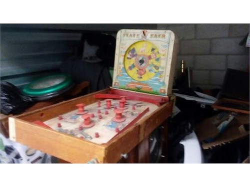 VINTAGE PIN BALL MACHINE