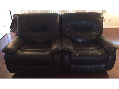 Set 2 leather recliners