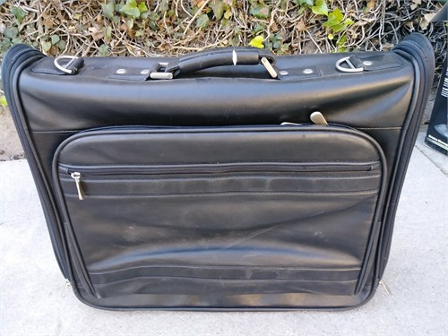 Leather garment bag. Grea