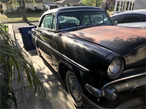 1954 Ford Crestline Victo