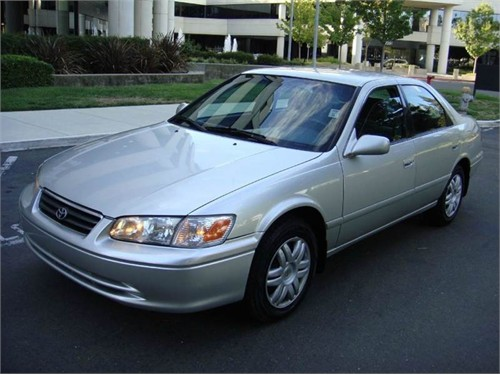 Used 2000 Toyota Camry LE