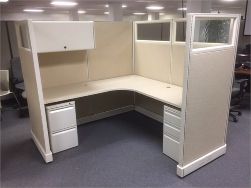 Used H M AO-2 cubicles