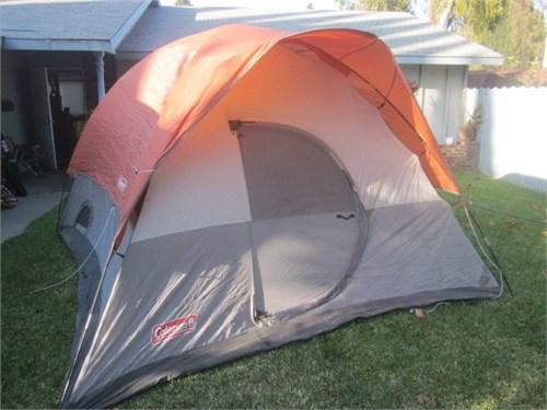 HUGE Tent Coleman sleep 8
