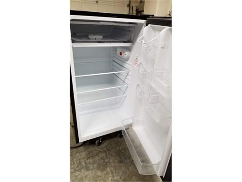 4.4 cu ft Refer-Freezer