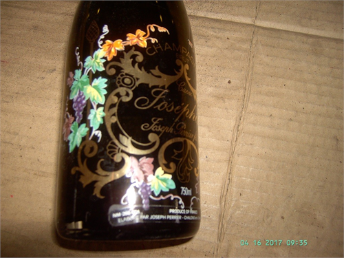COLLECTOR, WINE BOTTLE