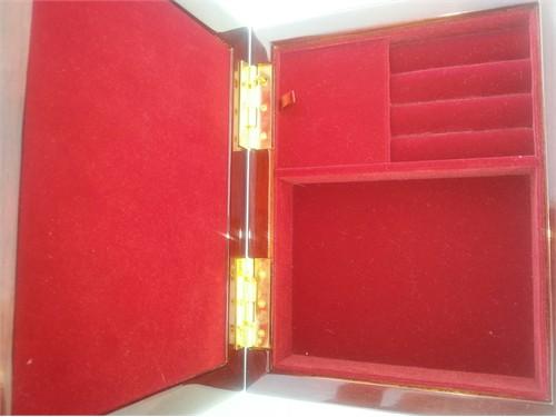1994 Wyland music box