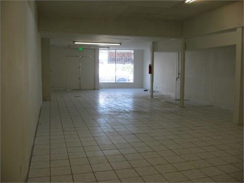 Commercial Building $489K