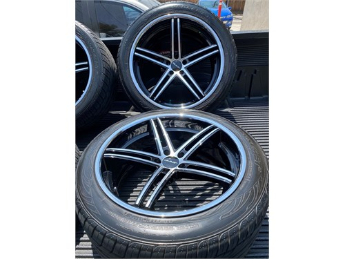 "22"" Lorenzo alloy wheels"