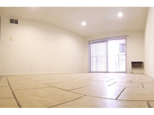 Very Large 1 Bed/1 Bath –