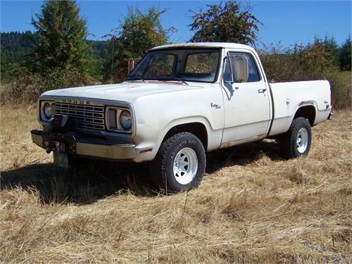 77 Power Wagon w/ 68 440