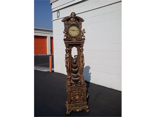 vintage romanisc clock