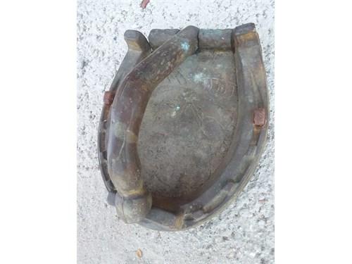 Bronze Horse Shoe Door Kn