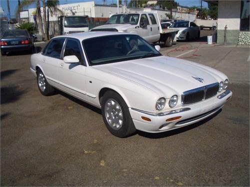 02 jaguar xj8 white