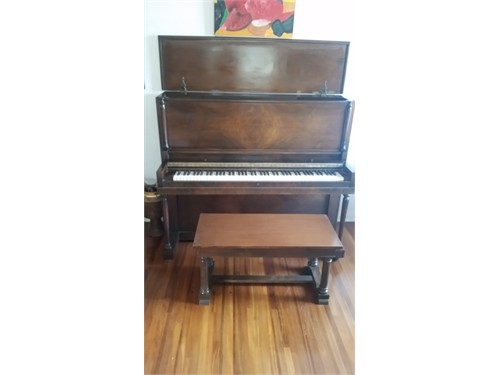 Story&Clark Piano Upright