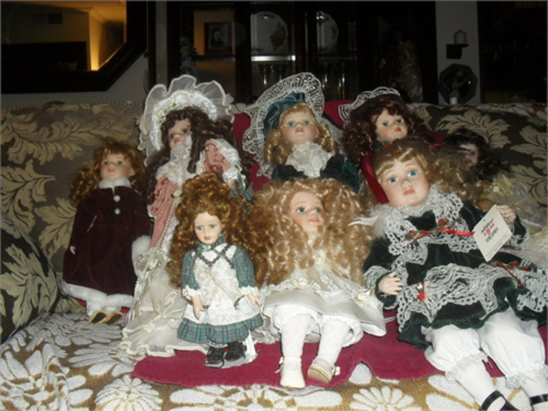 COLLETIBLE DOLLS