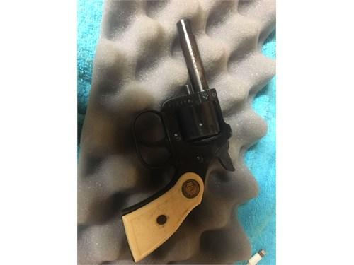 Pistol:.22 short revolver