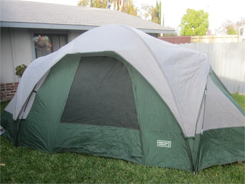 HUGE Dome tent 11' x 16'
