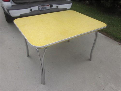 OLD FORMICA KITCHEN TABLE