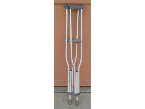 Aluminum Crutches 5'10