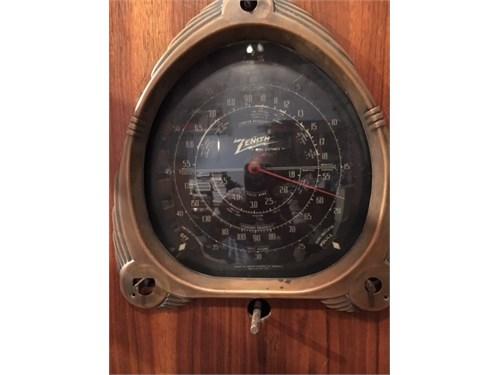 1930's Zenith radio $100