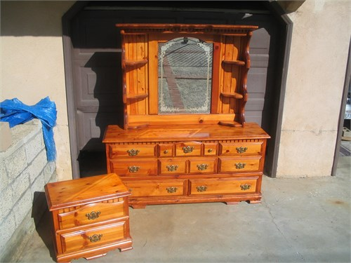 Kincaid mirrored 8 drawer