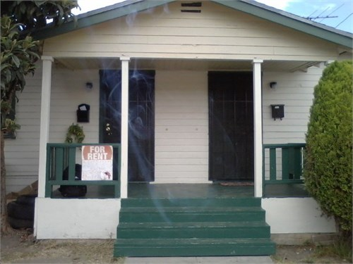 Large Two Bdrm in Duplex