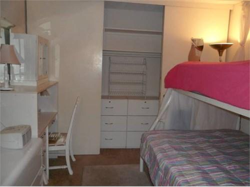 SHARED room, prefer female