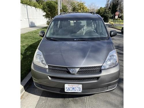 2005 Toyota Sienna CE Minivan
