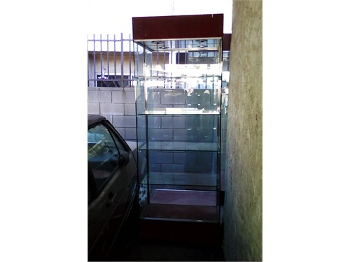 Glass Display Towers Case