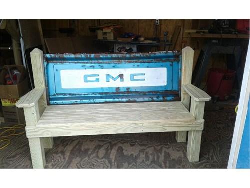 GMC  bench