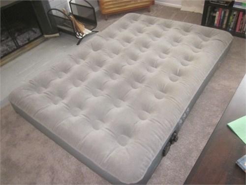 Double wide air mattress