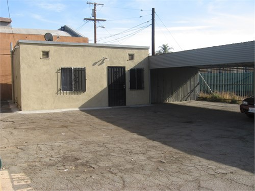 Commercial Building$560k