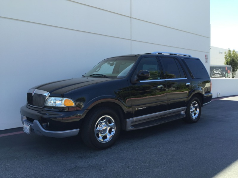 2000 LINCOLN NAVIGATOR SUV Used Dealer Suv 8 Cyl Black Beige Good Cond Auto Rwd 4 Doors 3